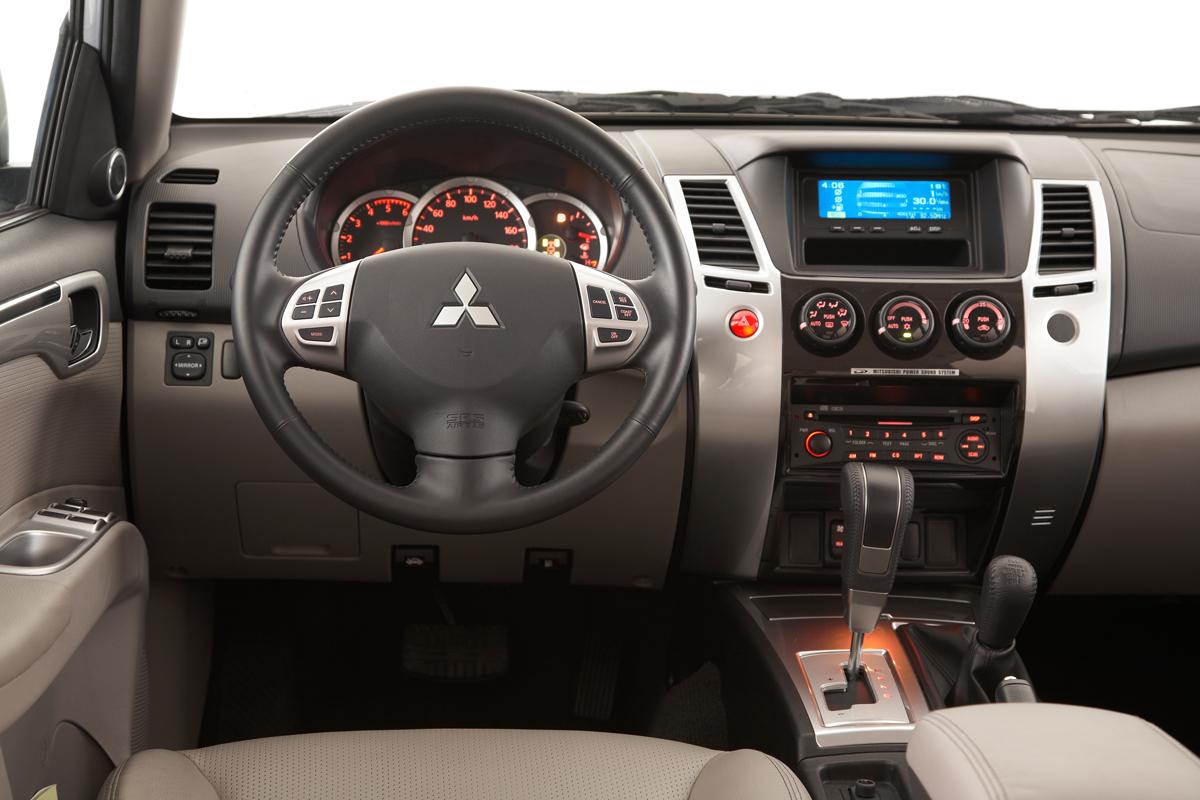 Car New 2011 Pajero Dakar