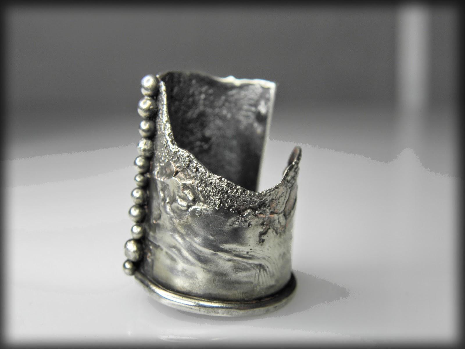 https://www.etsy.com/shop/GENEZAjewelryART?ref=si_shop