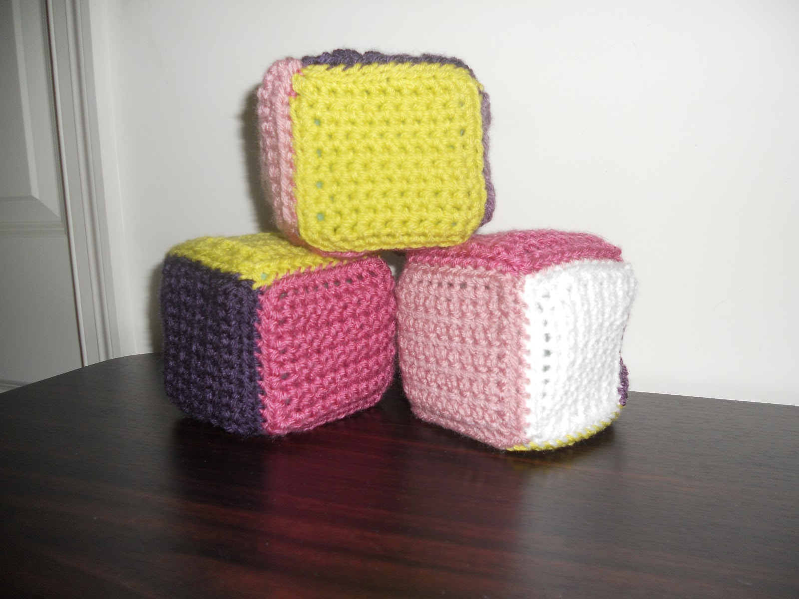 Free Easy Crochet Patterns For Baby Toys : Crochet Cysters Crafts: Baby Gift Basket - Blocks and Blanket