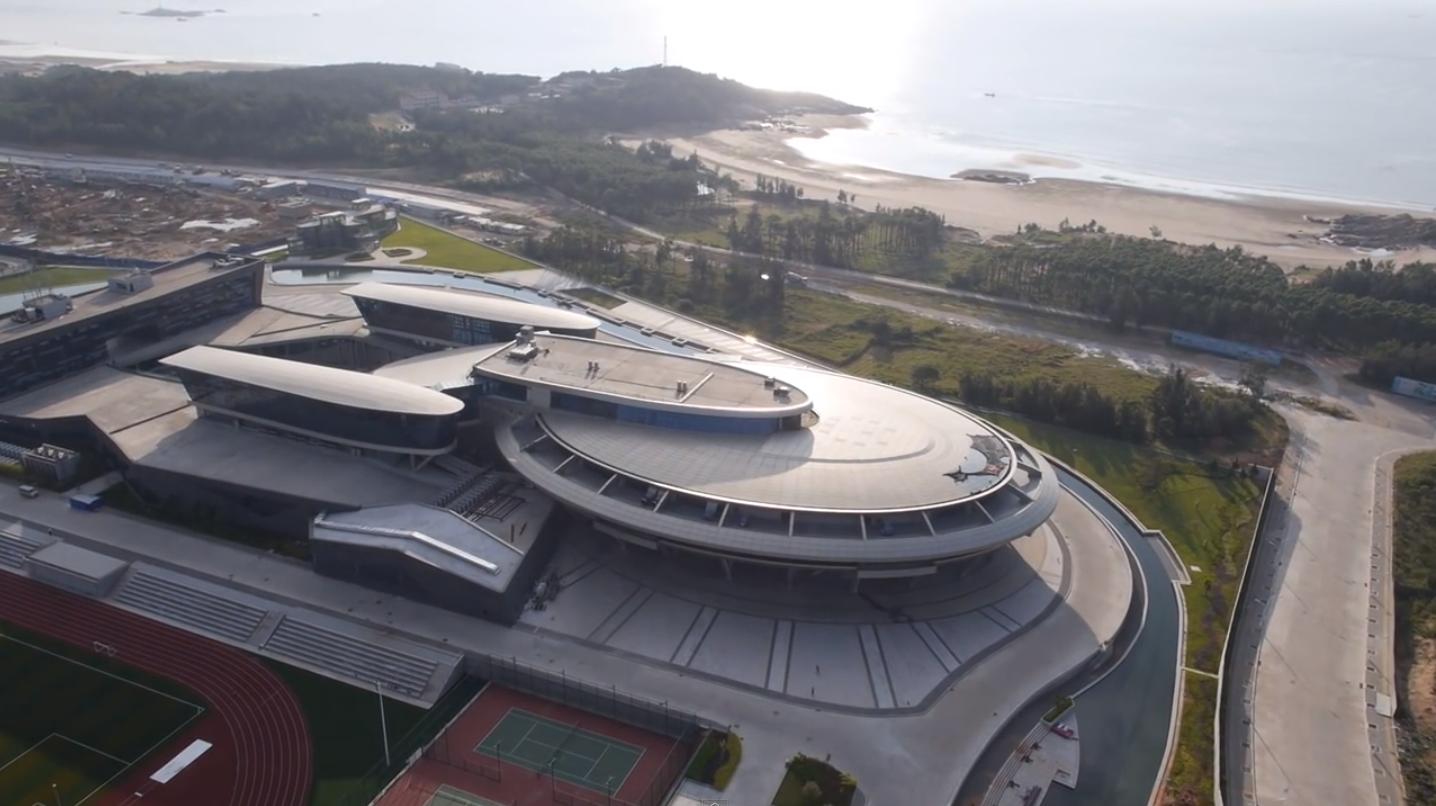 Empresario chino construye una nave enterprise para sus for Oficinas enterprise