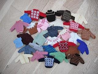 Knitting Patterns For Dolls Houses : bitstobuy: My favourite dolls house miniature knitting pattern