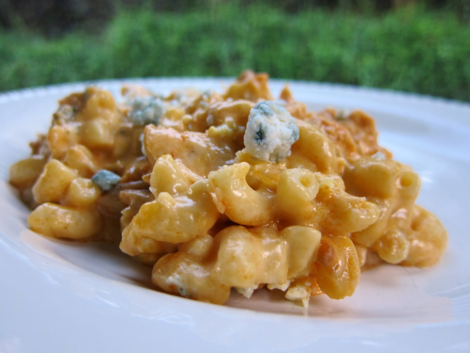 Mac And Cheese With Buffalo Chicken Recipe — Dishmaps