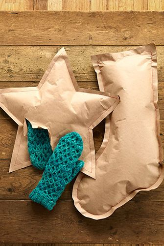 http://www.countryliving.com/crafts/projects/holiday-craft-projects-1209