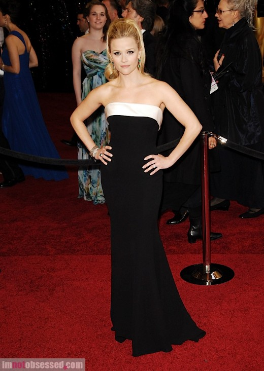 http://2.bp.blogspot.com/-ughRvzhmrEg/TWtxaacfBKI/AAAAAAAABwA/-u6WfQEBenI/s1600/34dd9_love-it-or-hate-it-reese-witherspoon-in-armani-priv-for-2011-oscars.jpeg