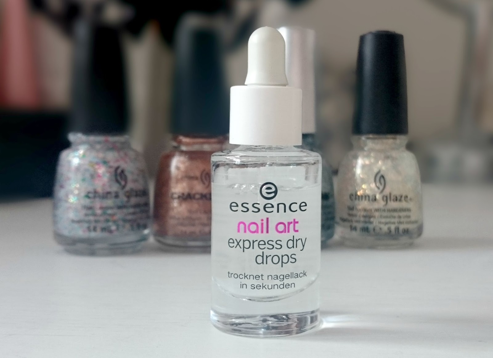Peace.Love.Vintage: Does This Work? Essence Nail Express Dry Drops