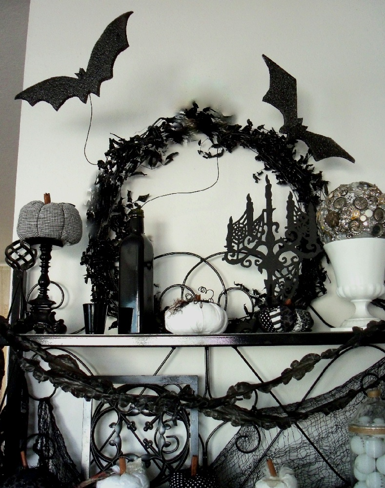 Halloween home decor elizabeth breton for Halloween decorations to make at home