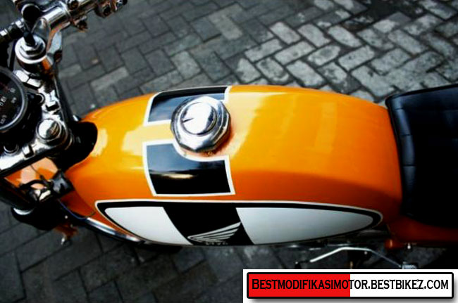 ... Honda CB 100 1976 Cafe Racer - Gambar Modifikasi Motor Terbaru