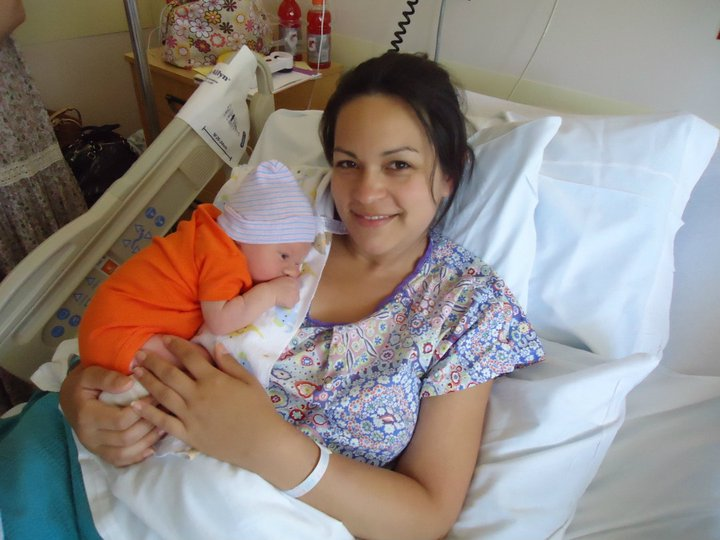 Annie&Isabel: This New Mom Rocked her Annie & Isabel Hospital Gown ...