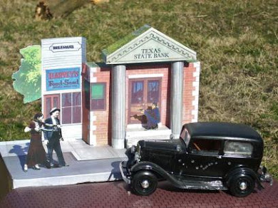 My Bonnie & Clyde 3-D display stand !