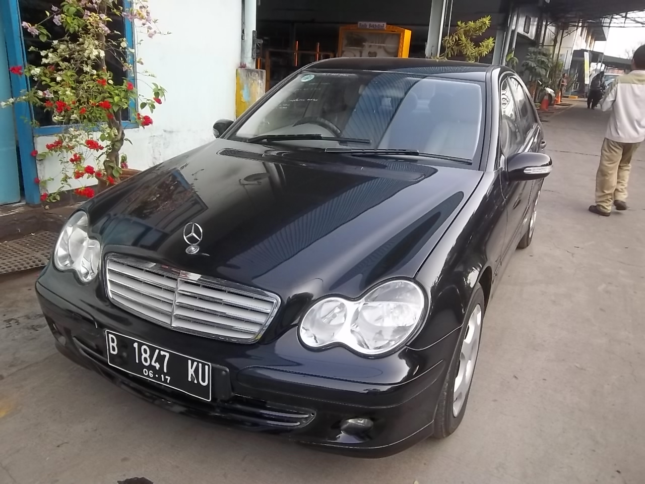 jual mobil mewah mercedes benz c 230 sport 2007 ex silver. Black Bedroom Furniture Sets. Home Design Ideas