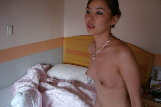 Really Beautiful & Sexy Korean call girl's motel prostitution photos leaked (34pix)