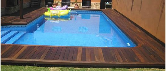 Suelos de madera para terrazas y piscinas carpinteros en for Madera para piscinas