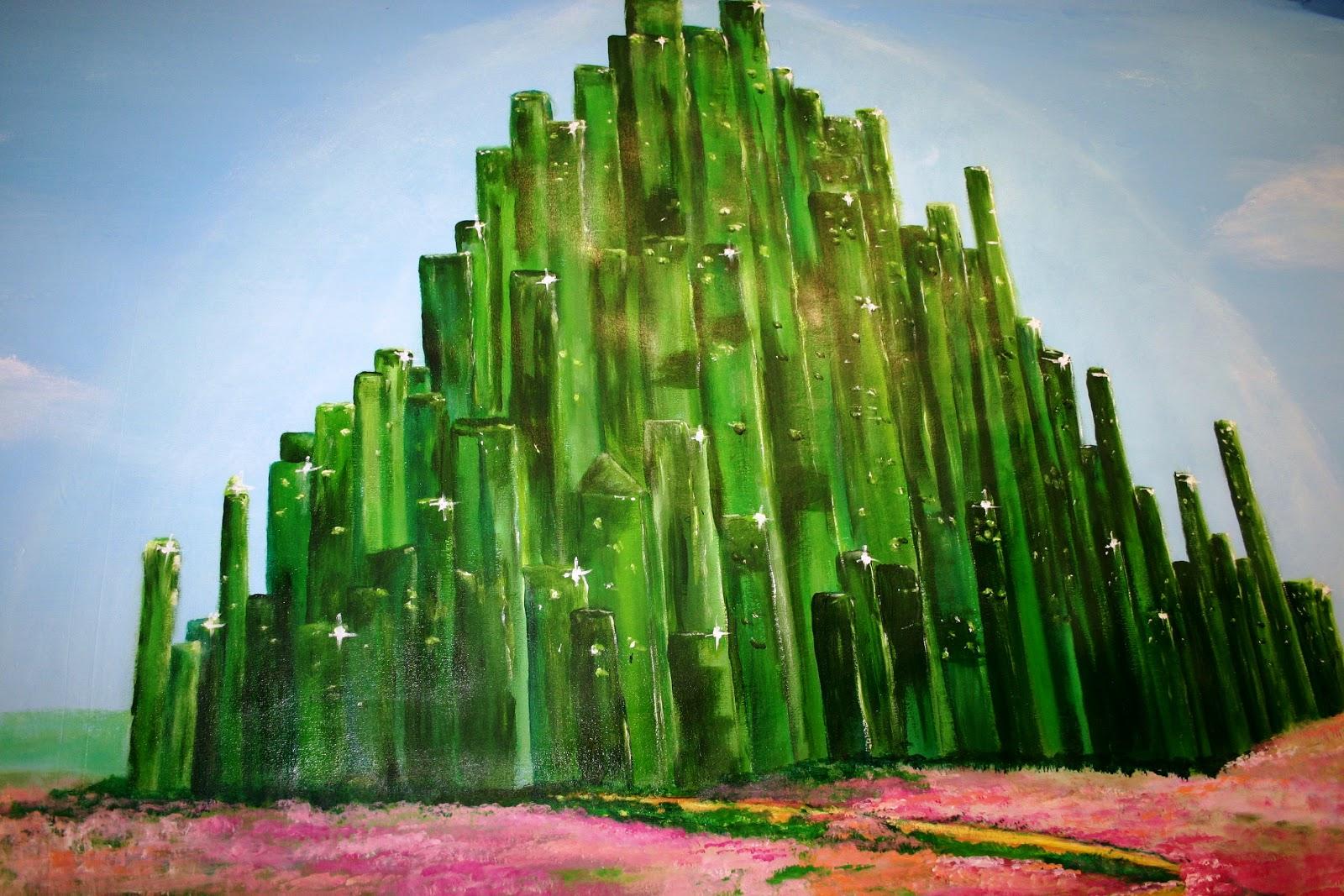 emerald city 'emerald city' se trata de la nueva y oscura reinvención de la obra firmada por el neoyorquino lfrank baum: 'el maravilloso mago de oz' gira en torno a los 14.