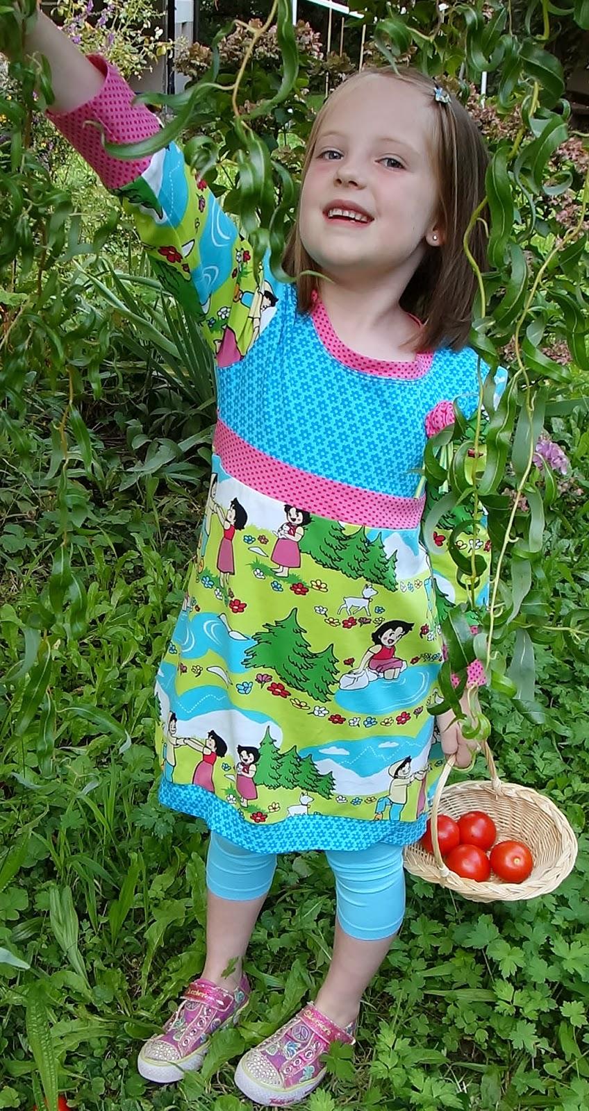 http://www.madebykasia.com/2014/08/heidi-and-peter-fabric-heidi-runde-2.html