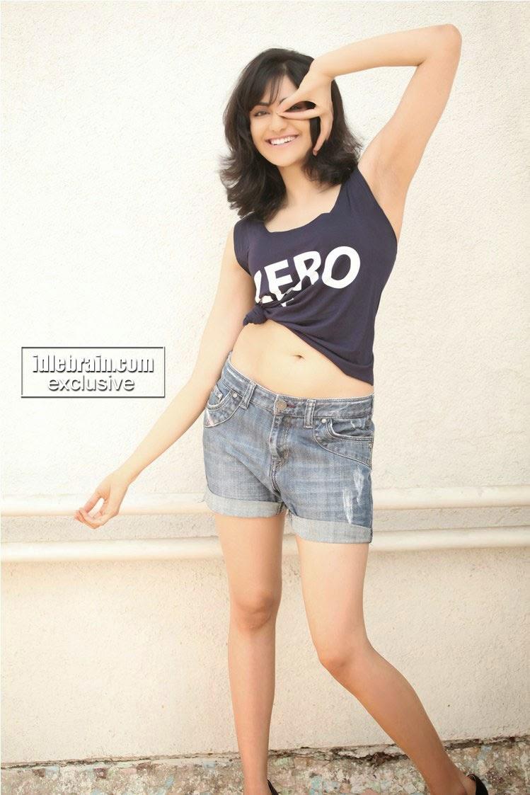 Adah Sharma navel and armpit