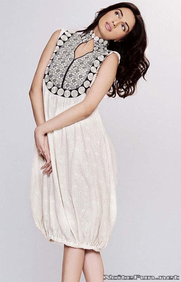 Pakistani Actress Noor Dress