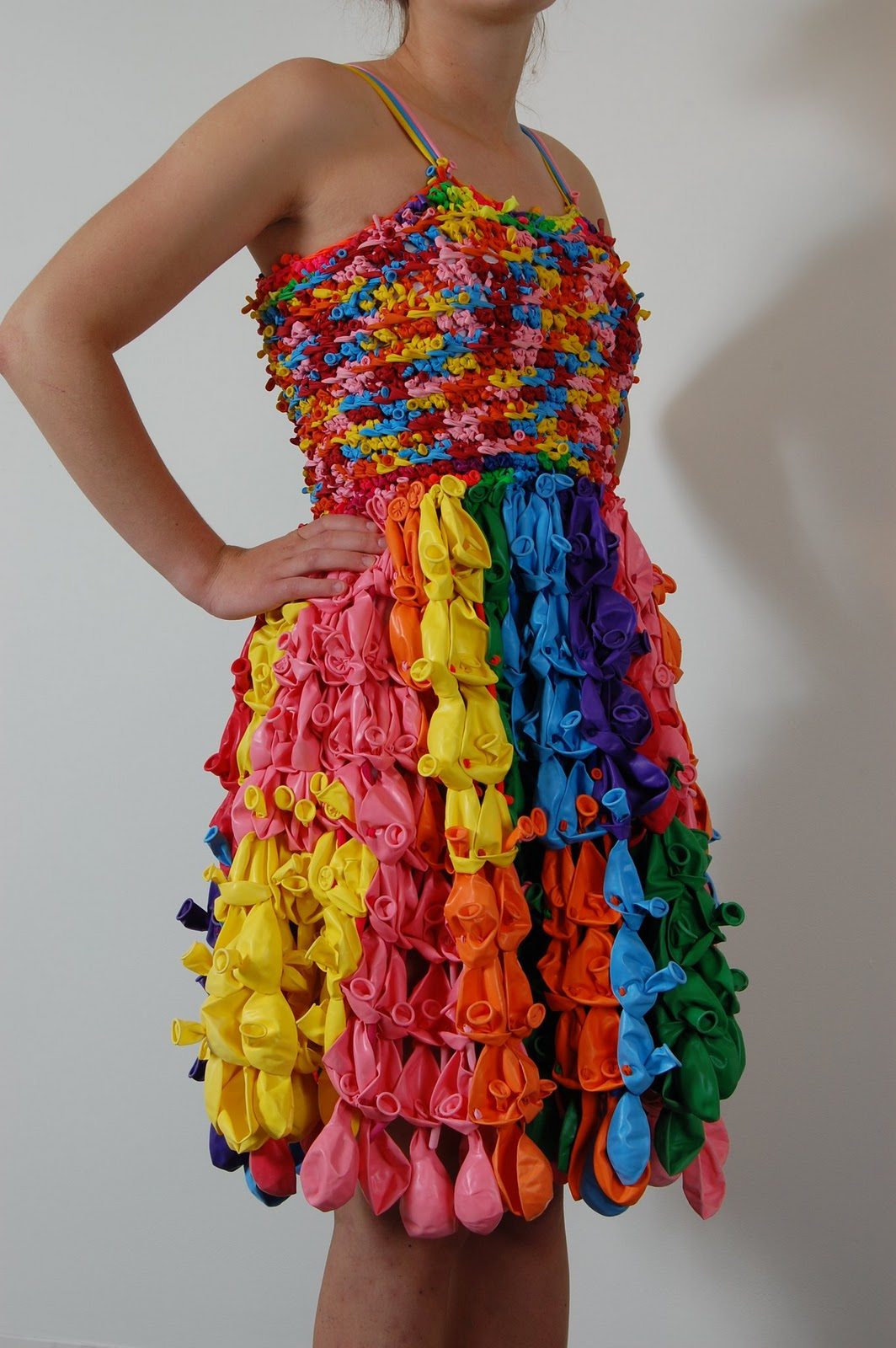 Как сделать костюм из пластиковых стаканчиков