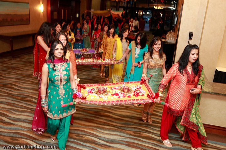 Amazing Mehndi Party Ideas : Mehndi thaals and decors dulha dulhan
