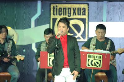 Quang Toàn mặc áo đôi hát cùng Đàm Vĩnh Hưng