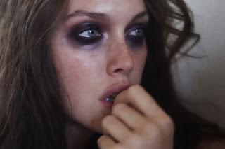 La verdad es la que obsevo. Ojalá de las mentiras se viviese pero no puedo.
