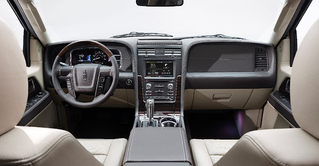 Interior view of 2015 Lincoln Navigator