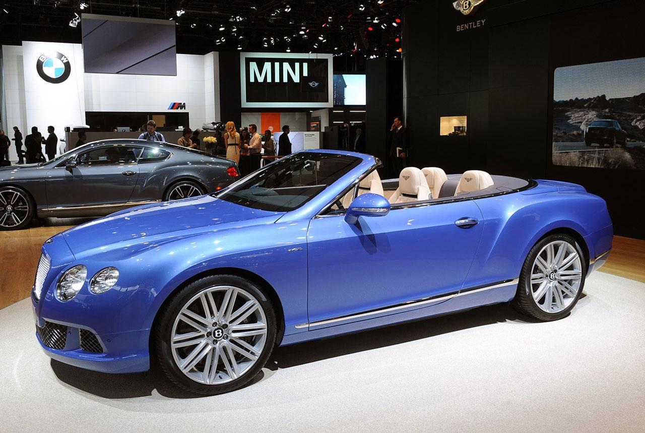 2014 Bentley Continental GT Speed Convertible runs topless through ...
