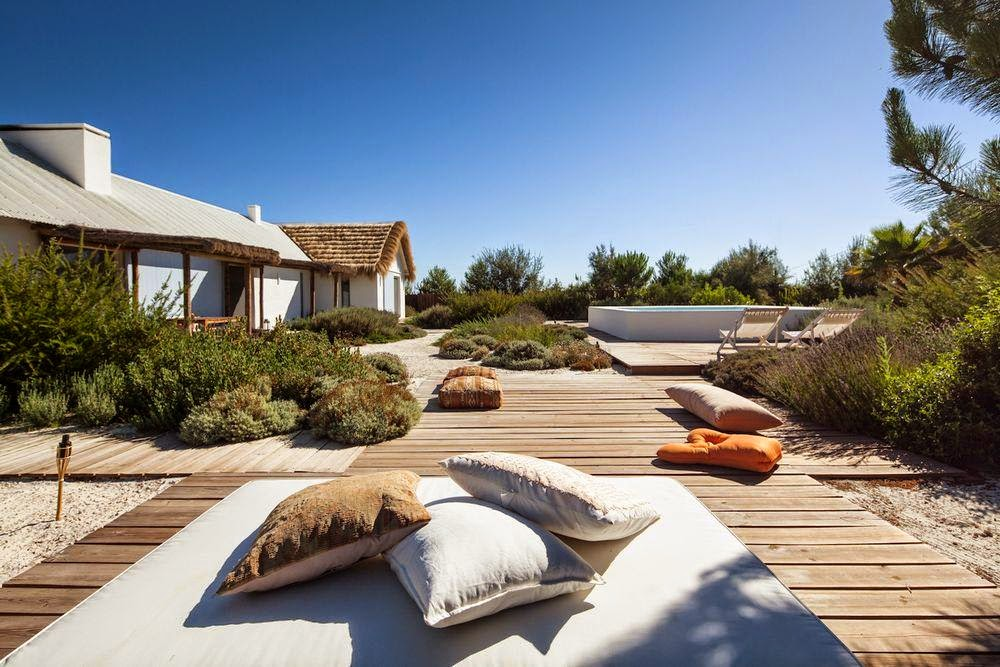 Rede latitudes comporta a praia mais cool de portugal for Design hotel comporta
