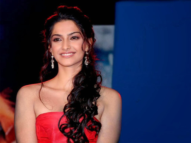 18 Best of Sonam Kapoor Rare Wallpaper, Vogue HD Photoshoot ...