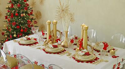 Mesa navideña y arbolito de navidad