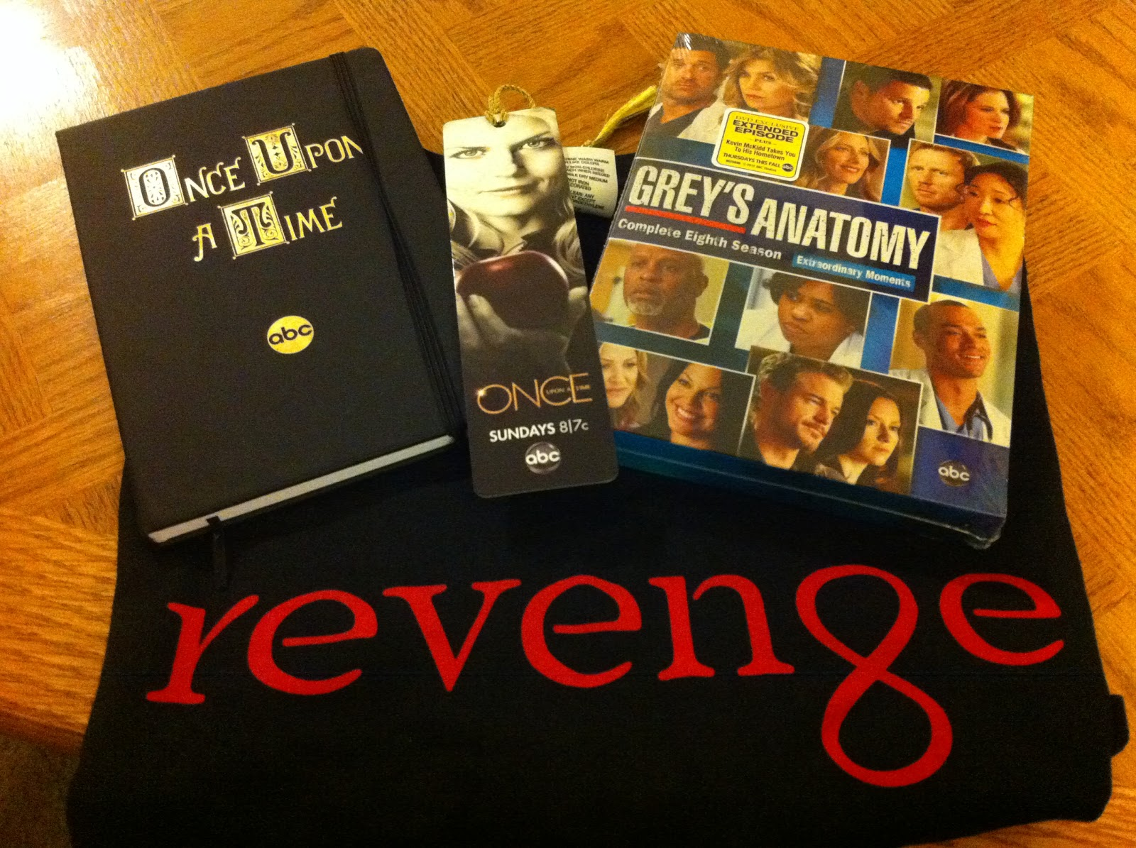 Sasaki Time: Giveaway: ABC Prize Pack w/items from Revenge, Grey\'s ...