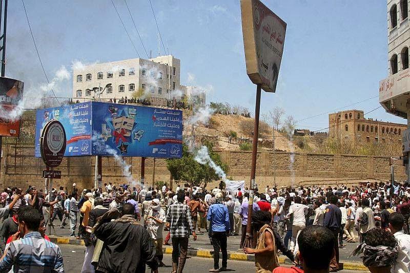 Pesawat Tempur Serang Bandara di Yaman
