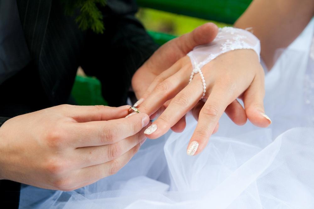 Extrêmement Quelle manucure pour mon mariage? | Le Blog'zy de Weddzy ! WV91