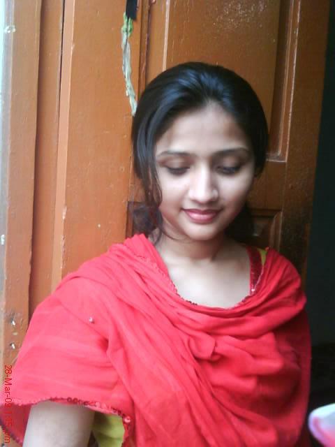 Pakistani Girls Mobile Number : Zeenab Anees from Sujawal
