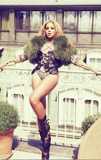 bee%2Bparis%2B2 >A Spring Afternoon In Paris with Beyoncé
