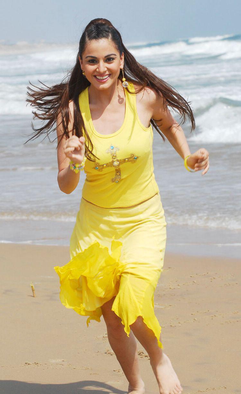 Actress Shraddha Arya Hot Pics | കിടിലന് ലുക്കില് ശ്രദ്ധ