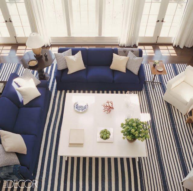 Siette Interiores Vestida De Azul