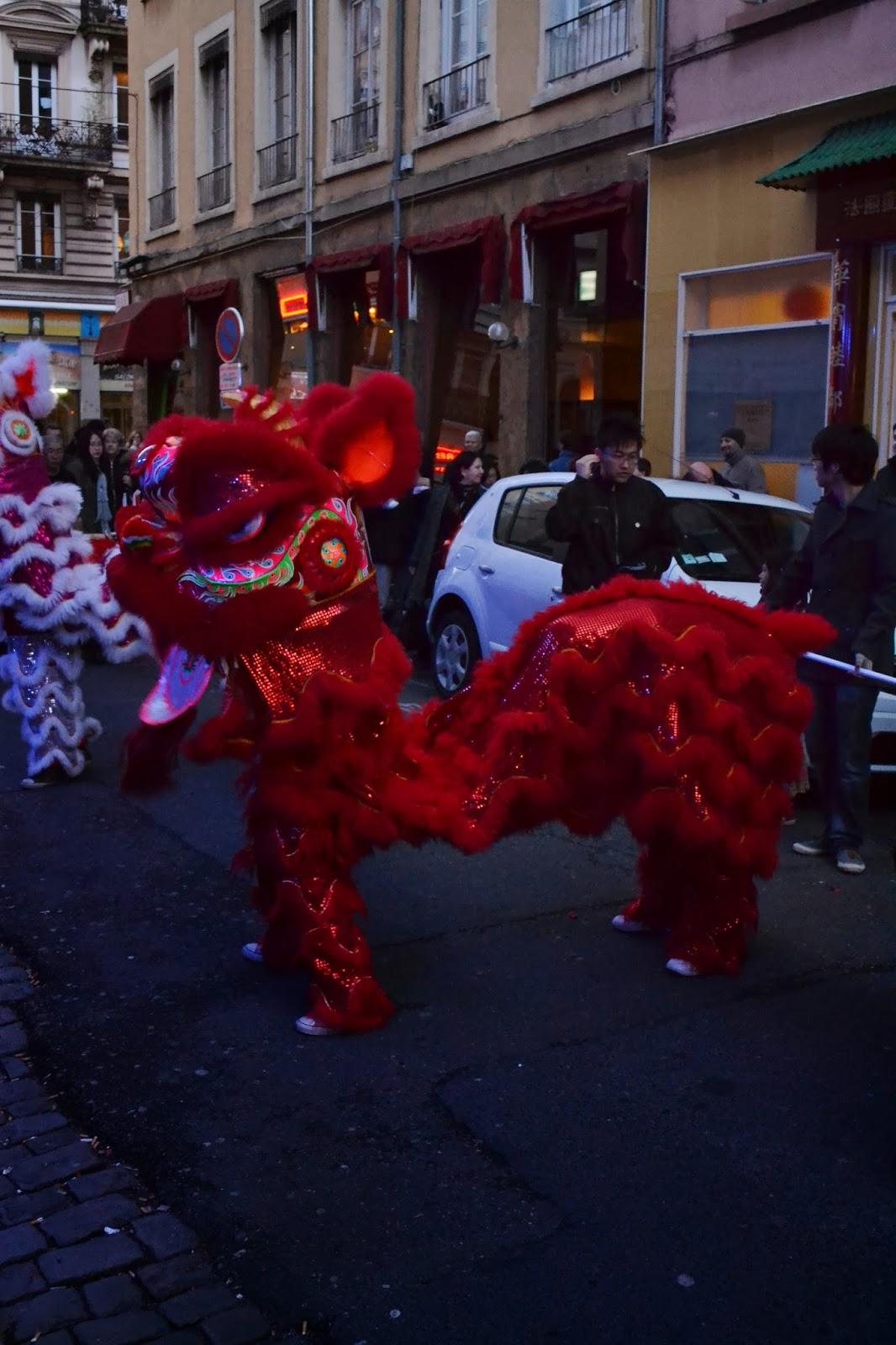 Nouvel an chinois Lyon Guillotiere 2014 cheval de bois dragon petard Kung Fu