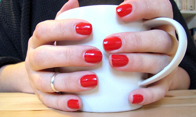 NOTD: Estée Lauder Pure Colour \'Pure Red\'   LipsSoFacto