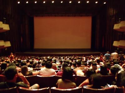 Sensasi Menonton di Bioskop