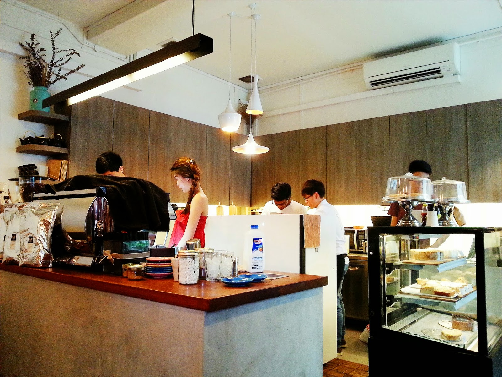 lonelywanderlust: review: assembly coffee