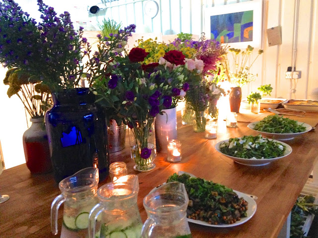 flowers and salad on table at Amy's Kitchen Summer (www.ballpointsandbiscuits.blogspot.co.uk)