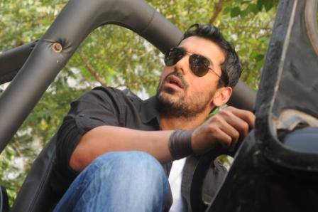 John Abraham FORCE Movie Ray Ban BLACK FRAME LENS ...