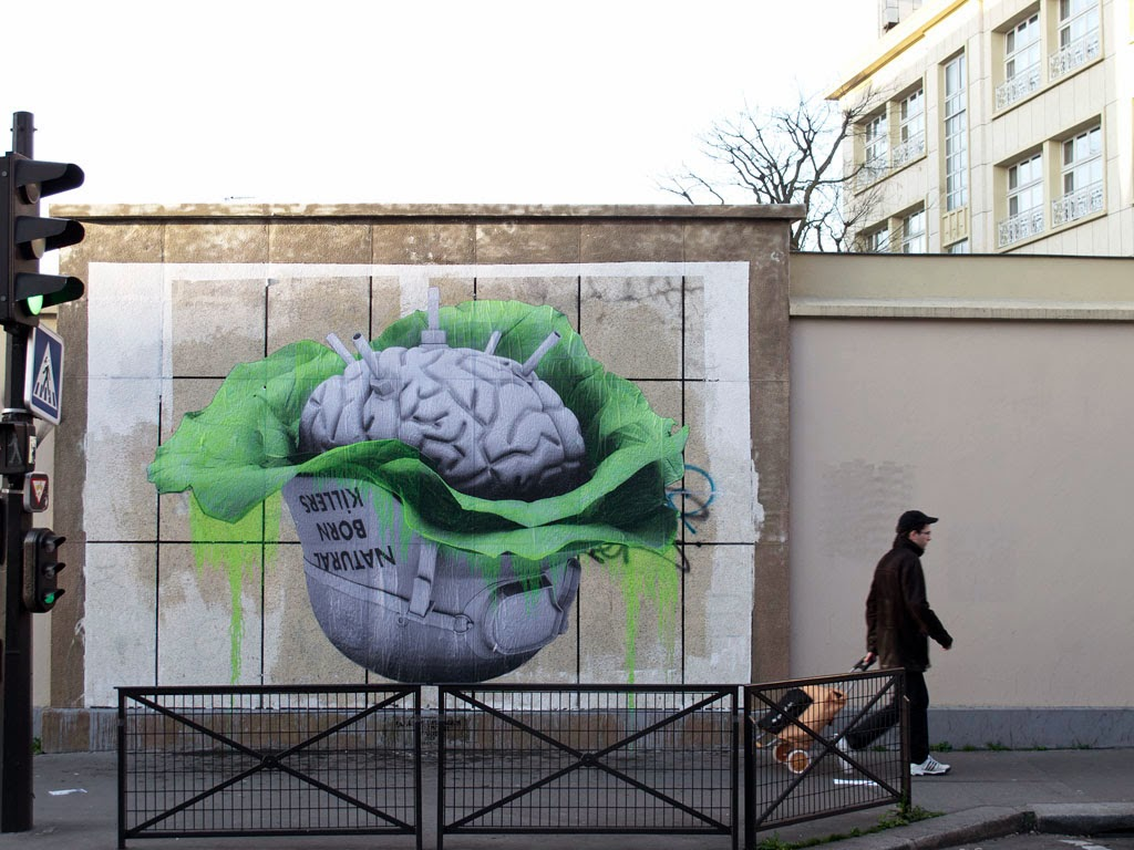 Freshly back from New York City and his exhibition at Jonathan Levine Gallery, Ludo has been busy in Paris, France where he just finished working on this new street piece.