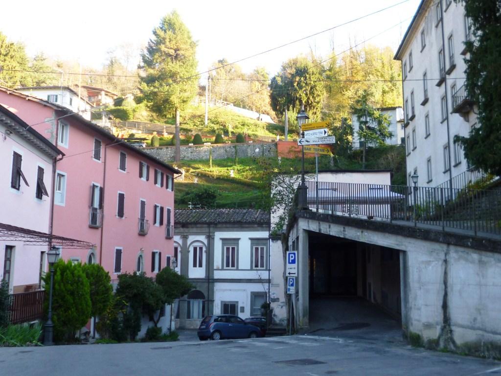 Hot springs in tuscany terme bagni di lucca november 16 2011 - Terme libere bagni di lucca ...