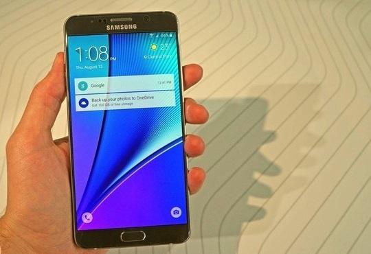 A lente da câmera do Galaxy Note 5 possui 16 MP de resolução