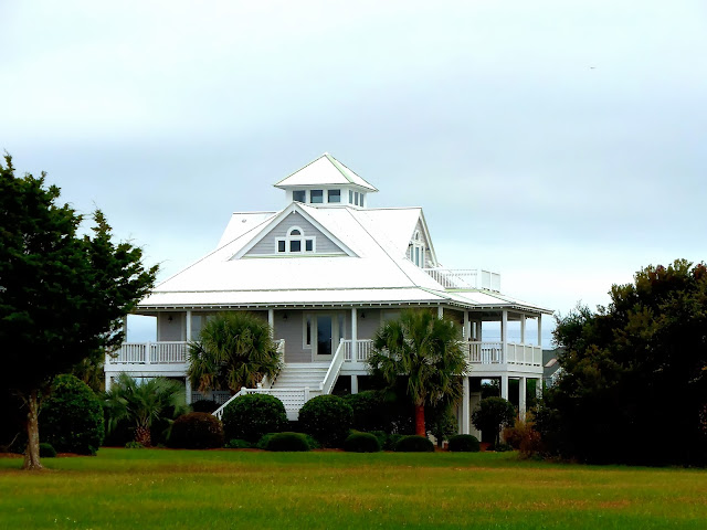 kiki nakita southern coastal homes on topsail beach