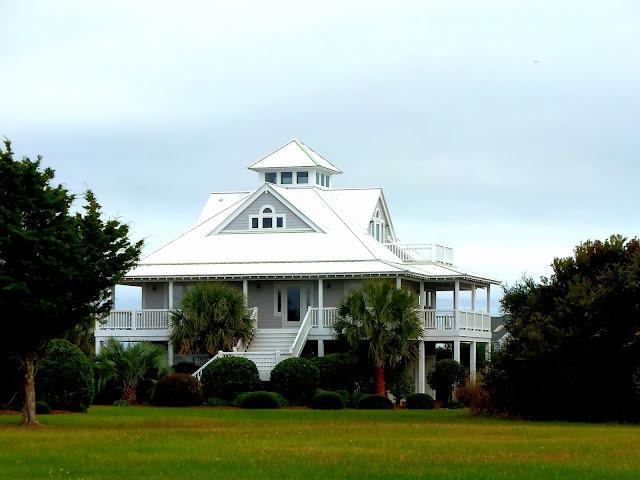 Kiki nakita southern coastal homes on topsail beach for Southern coastal homes