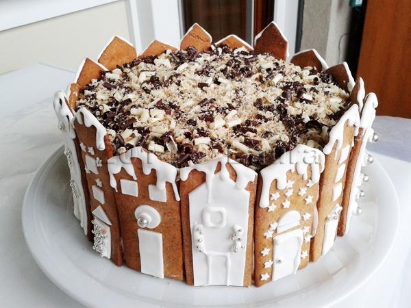 Laura in cucina: Torta Natale 2014 con casette
