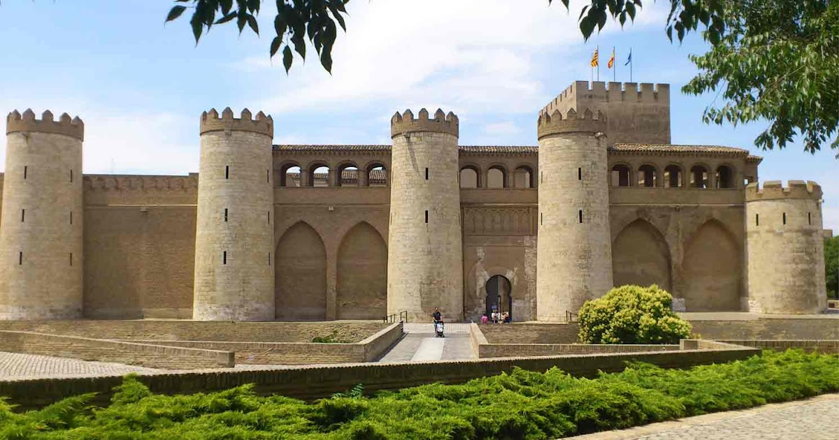 Edbhinteriordesign arquitectura isl mica en espa a for Arquitectura de espana