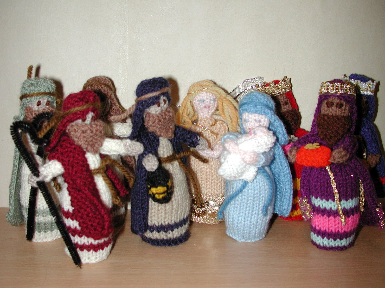 Butterfly Cottage Arts: Knitted Nativity Sets